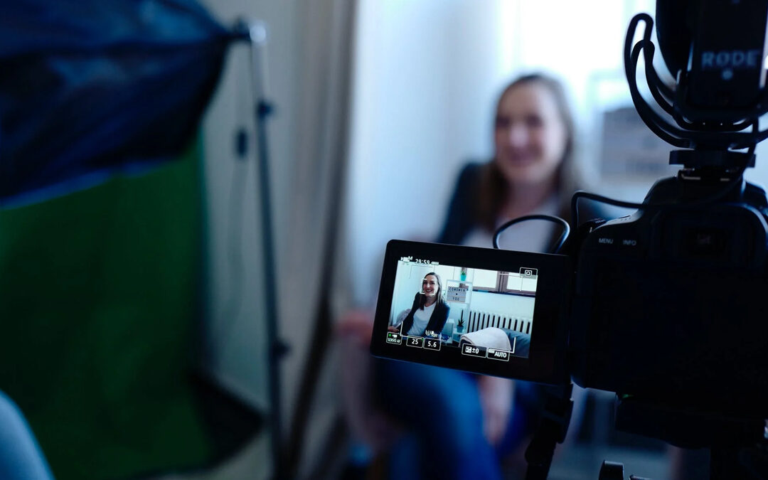 Infographic: How To Create Effective Training Videos